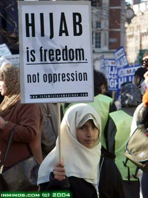 http://www.inminds.co.uk/hijab-demo-17jan04-715.jpg