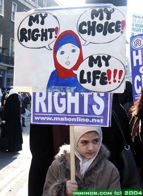 http://www.inminds.co.uk/hijab-demo-17jan04-719.jpg